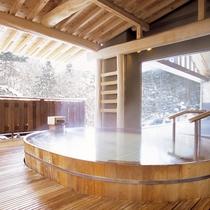 冬のひのき露天風呂