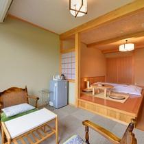 *和洋室(客室一例)/清流小国川の川音を聴きながら、のんびりとお過ごし下さい。