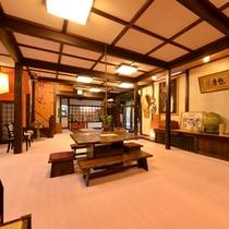 *ロビー/昔から伝わる日本の伝統美を大切にした古民家風の設え。