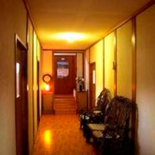 新館二階の廊下