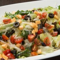 バイキングメニュー例「オリーブオイルと塩胡椒のサラダ」