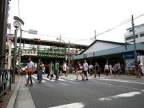 ◇JR新大久保駅より徒歩1分。