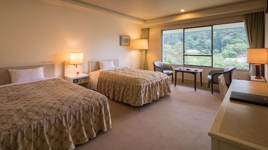 【洋室】ベッドルームで過ごすポイント「好きなときに横になれる」ということ。旅の疲れを癒してください!
