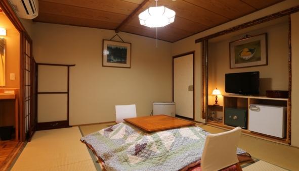 《全室温水洗浄トイレ付》 踏込付き和室8〜10畳