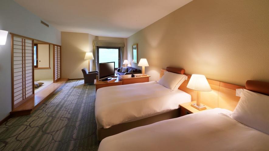 【ファミリールーム/本館】2ベッド+6畳和室の和洋室 ■53㎡ 最大5名