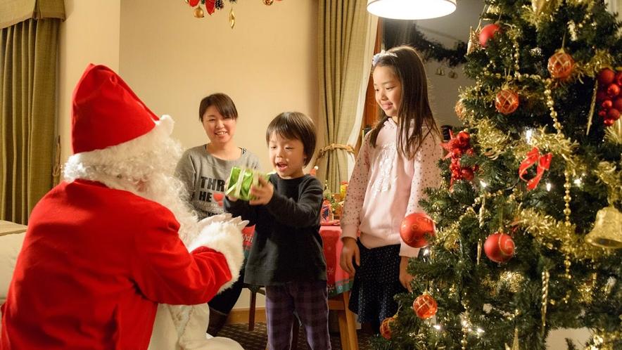【イベント】サンタがお部屋にやってきた!