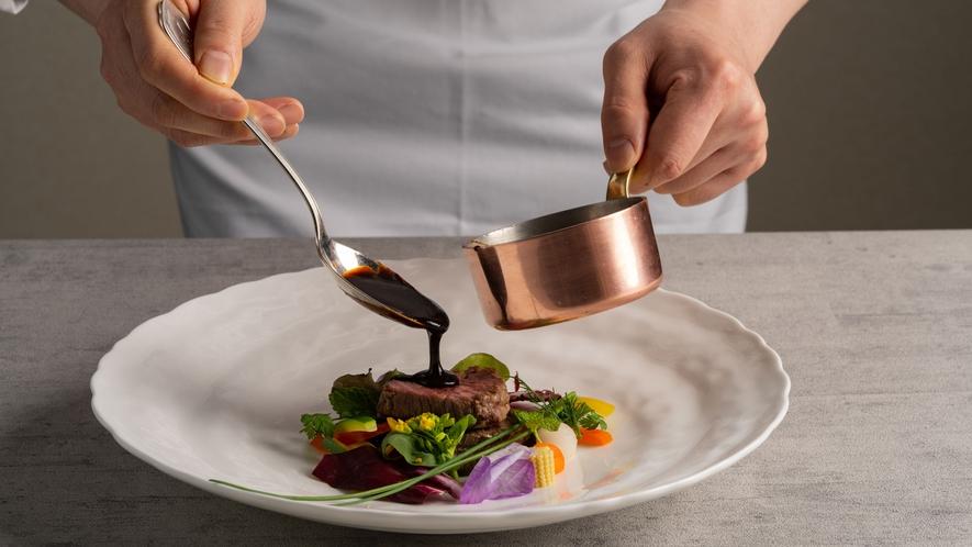 【アイリス/夕食】コース料理でちょっと贅沢ディナーを
