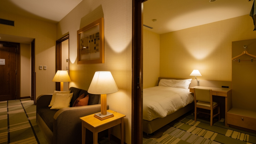 【フレンズルーム/本館】共有のリビングスペースと4つの個室が付いた洋室タイプ ■58㎡ 最大4名
