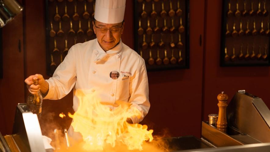 【コスモス/夕食】ライブキッチン!目の前でシェフが調理し提供いたします♪