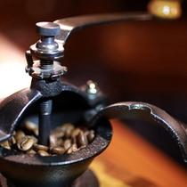 こだわりの温泉水で挽き出すコーヒー※有料で注文可能