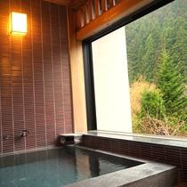 【SP】源泉かけ流しの客室の露天風呂