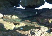 洞窟の中1