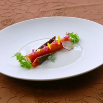 ★沼津cuisine★オードブル 紅富士鱒のスモークとあしたか牛のジャーキー