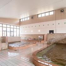 *メインの室内浴場~サウナ三種類、ジェットバス、でんき風呂といろいろなお風呂が楽しめます