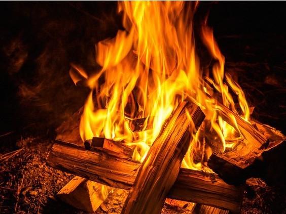 ちいさな焚火イメージ