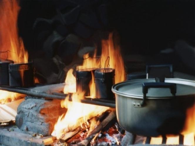 キャンプ飯イメージ