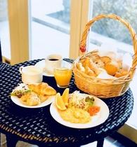 朝食はビュッフェ形式。メニューは日替わりです☆