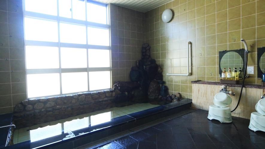 殿方風呂◆雰囲気のある岩を使ったお風呂