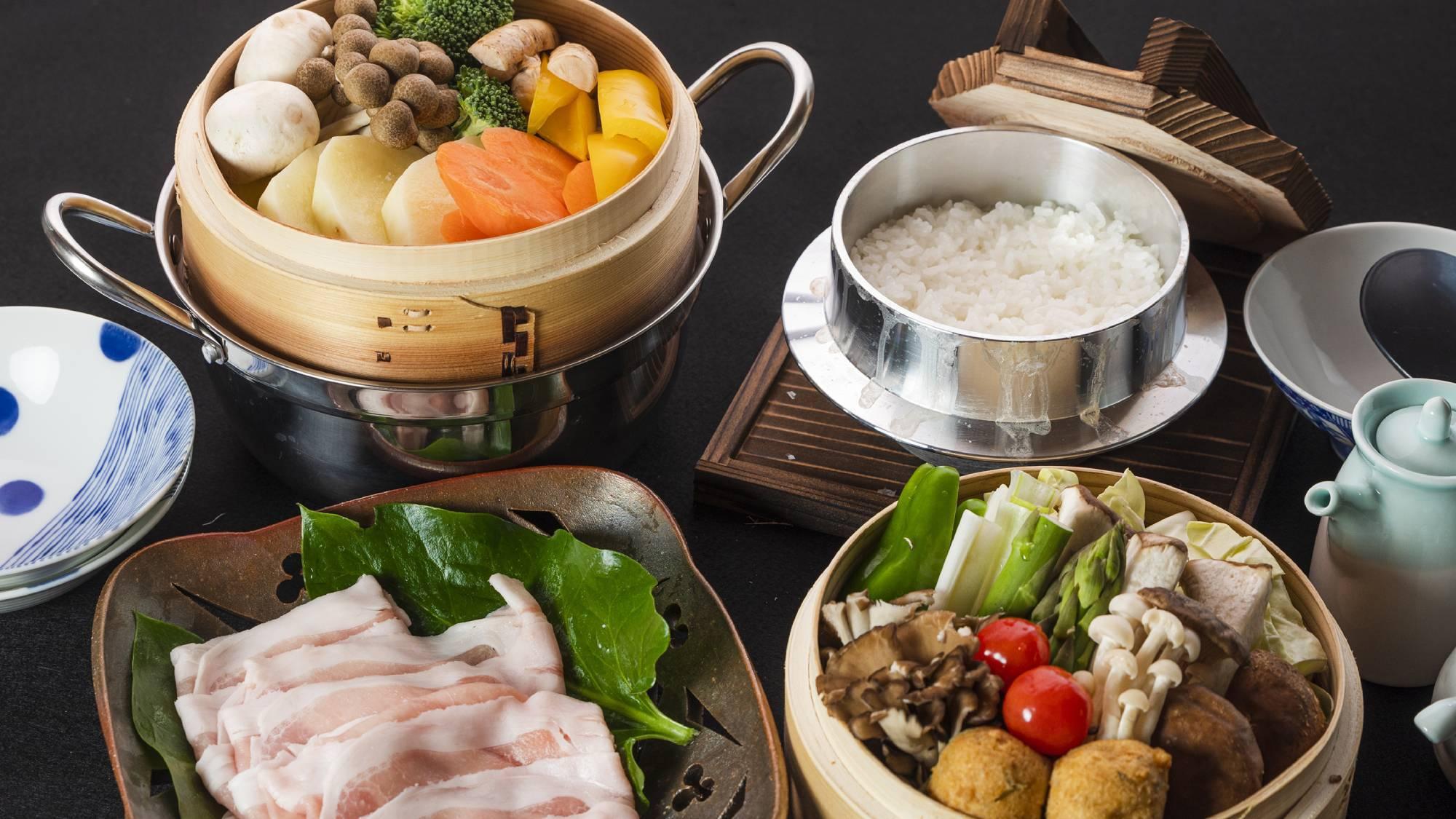 ・夕食+旬のお野菜と黒豚蒸し(写真2人前)+2800円