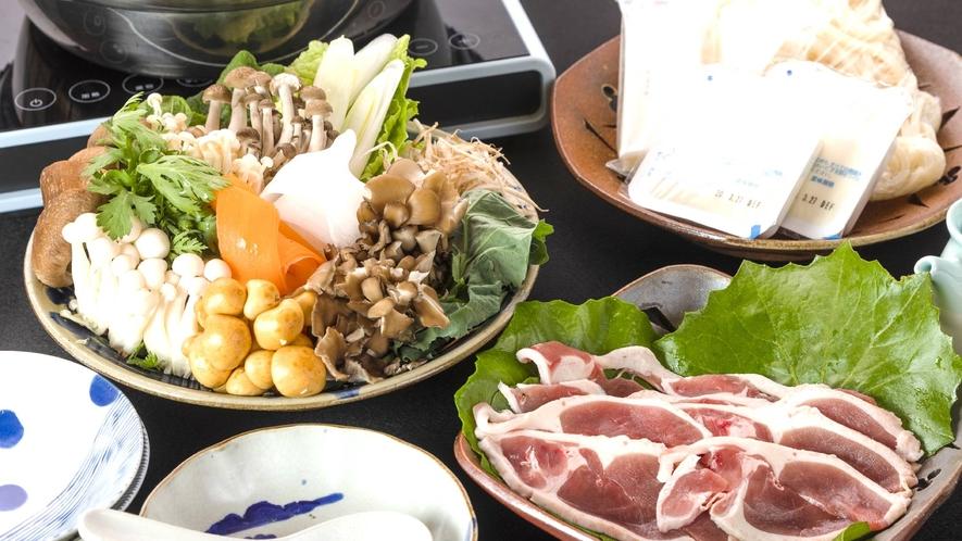 ・夕食+旬のお野菜と鴨鍋(写真2人前)+2800円(税込み)