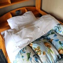 エコノミー2-4名様用ベッド The Bunk bed in Economy RooM 2-4 pe