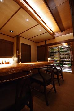 ソフトドリンクとお酒が楽しめるオーデオサロン【TANNOY】