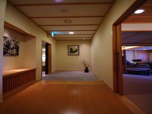今心亭3階客室「睡蓮」99平米玄関