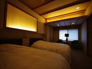 今心亭3階客室「睡蓮」99平米寝室