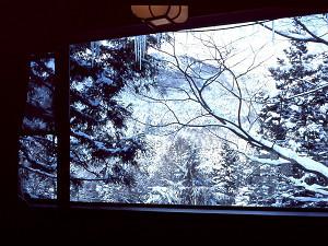 遊季亭客室からの雪景色