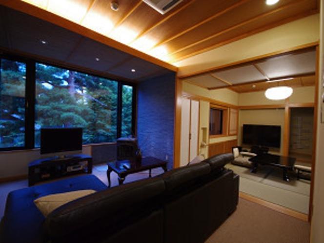 今心亭3階客室「睡蓮」99平米居間