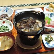 *夕食一例/好評のきのこ鍋や山菜など、いつ来ても美味しく食べて頂く為の手間暇を惜しみません!