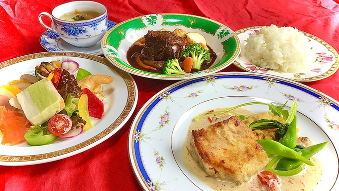 【2食付】別荘族御用達のレストランのデリバリーディナーと大人気エロイーズカフェの朝食付プラン♪