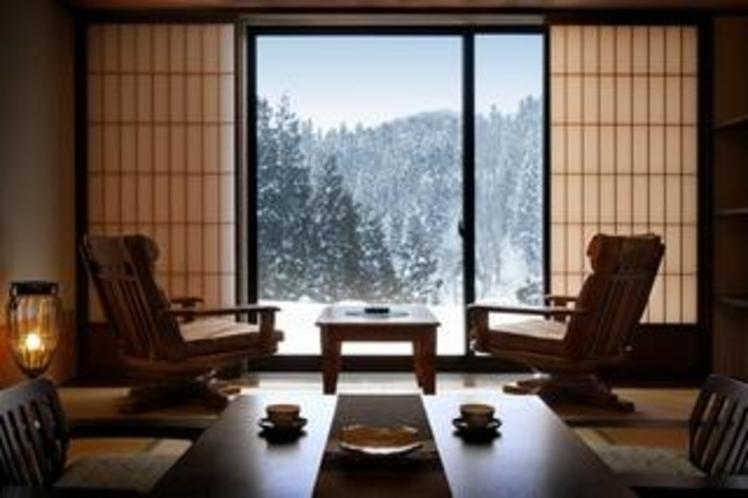 荘厳で美しい雪国の景色が目の前に広がります。