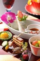 深山の食材をモダンにアレンジ。月替わりのお料理をお楽しみください。【一例です】