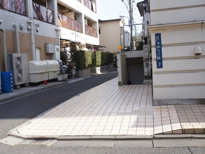 ◆駐車スペース◆1泊1,000円です。※電話にて事前予約制