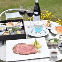 【やまなみサンセットディナー】初夏の高原のそよ風の中安らぎのひと時をお過ごしください。