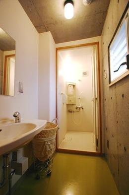 【格安】コンパートメント 1名〜2名対応 シャワー・トイレ共同 禁煙 フリーWi-Fi