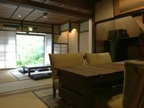 平野町町家 リビングと和室