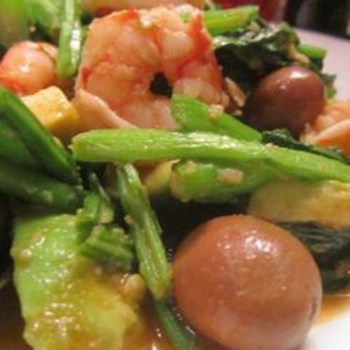 アホガド、エビ、オリーブの野菜炒め