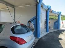 買い付けにはレンタカーで。一度行くと5000キロは走行洗車も