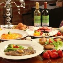 夕食。A5和牛ステーキ+スープオムライスコースのお料理一例。