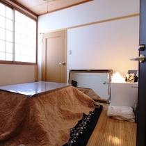 【客室】203・和洋室(ツイン+和室)