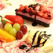 夕食。デザート。旬のフルーツ、おいしいものをちょっとずつ♪