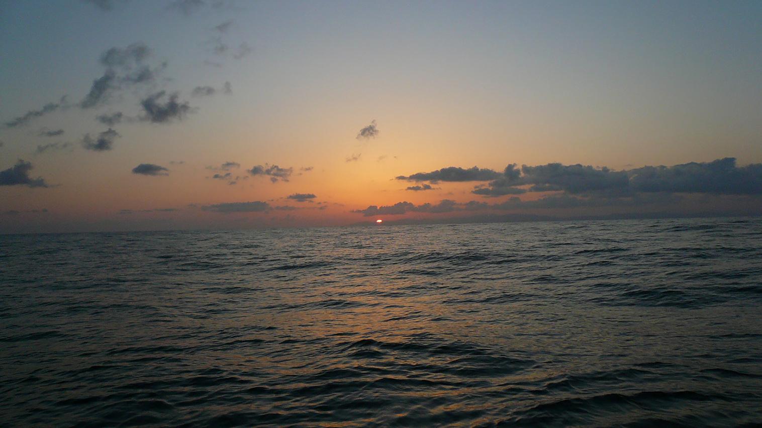 *日本海に沈む夕日