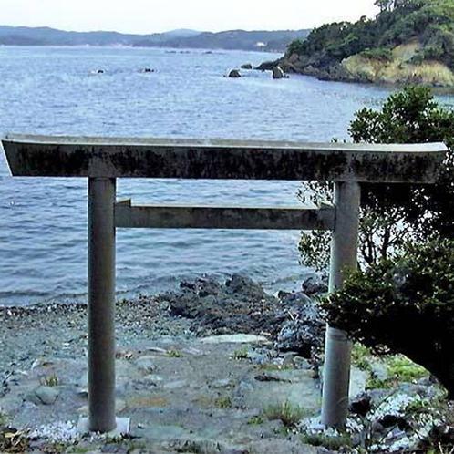 伊射波神社 海に向かって建つ鳥居