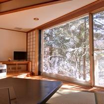 *冬の樹林棟掘りごたつ和室(雪景色)