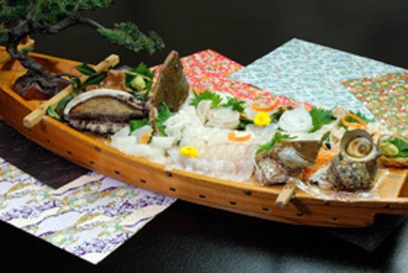 【2食付】豪華な海の幸でお腹いっぱい!「崎っぽ料理・ぜいたく伊勢えびコース」