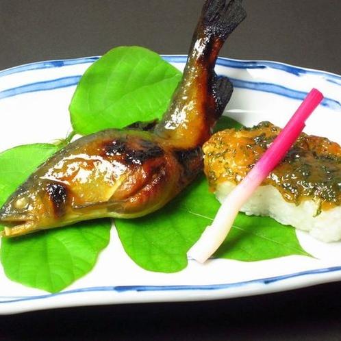 秋料理(sdx)・焼き物:子持ち鮎味噌柚庵焼き