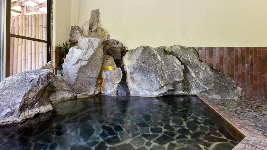 *【大浴場:男湯】飲泉も可能な紫尾温泉のお湯。
