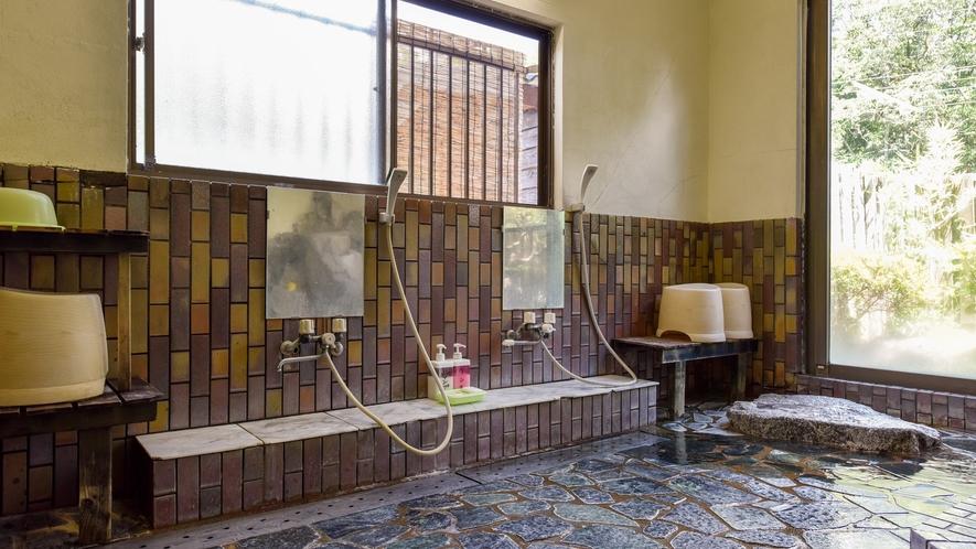 *【大浴場:男湯】シャンプー・リンスをご用意しております。